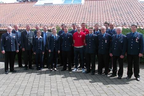 Waldbrunner Feuerwehrkameraden geehrt und befördert thumbnail